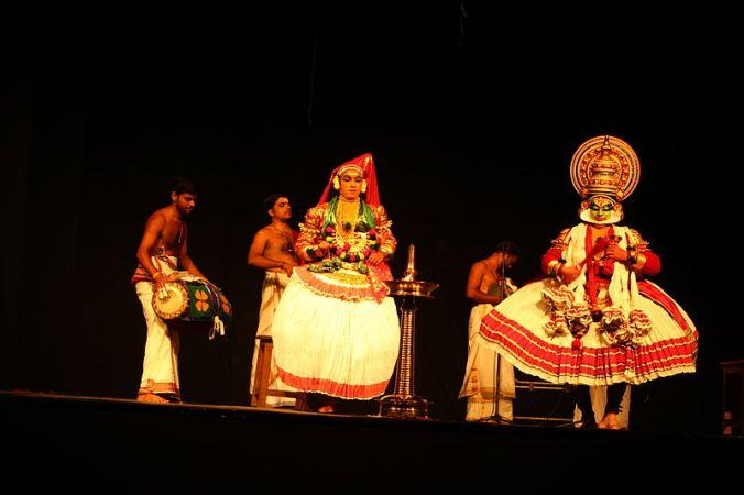 800px-Kathakali_IMG_0281_by_Joseph_Lazer